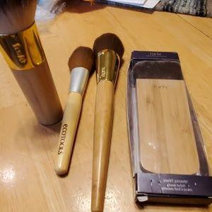 Three Tarte Make up Brushes & 1 eco tools